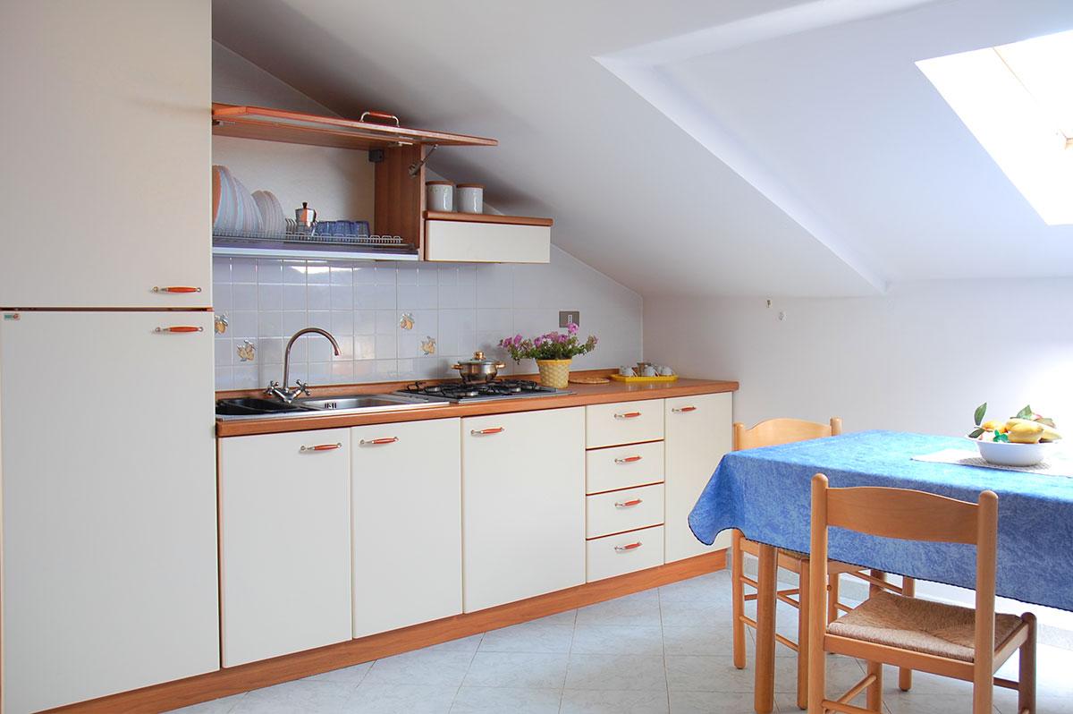 Residence belvedere appartamenti ascea per vacanze al for Appartamenti a 2 livelli